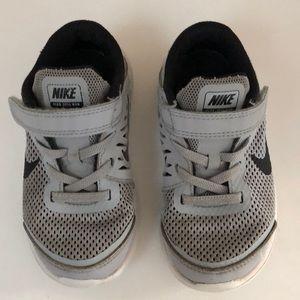 Toddler Boy Nike Velcro Sneaker